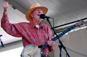 FILE USA PETE SEEGER OBIT